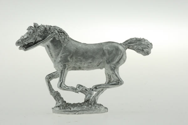 CON-H010 - Heavy horse galloping, head out